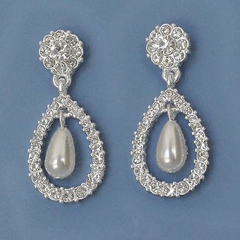 BRIDAL BUZZ PEARL EARRINGS