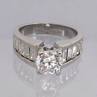 BRILLIANTE CZ CUBIC ZIRCONIA WEDDING BAND/RING<br>Size 7