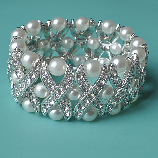 Cross My Heart Pearl Rhinestone Bracelet