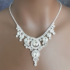 FINE POINTE RHINESTONE JEWELRY SET