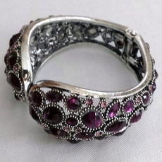 PUZZLE CRYSTAL PURPLE BRACELET - ONE REMAINING