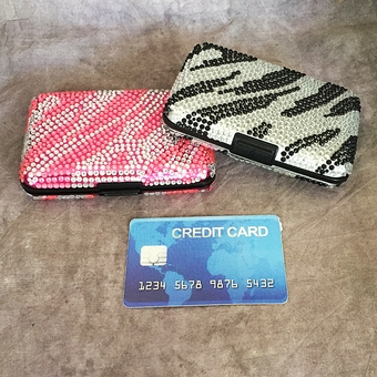 RHINESTONE SECURE CREDIT CARD WALLET