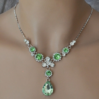 SIMPLE PLEASURES GREEN RHINESTONE JEWELRY SET