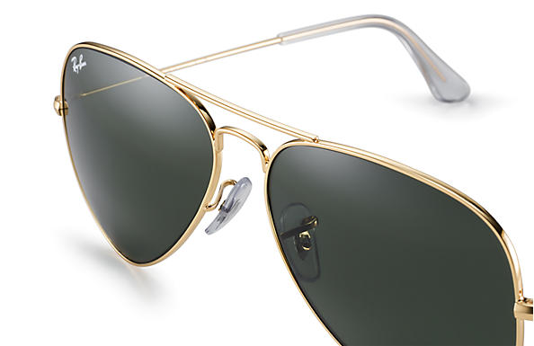 b1ab07def8 Ray-Ban Aviator Classic Sunglasses with Gold Frame Green Classic G-15 Lens  - The Warming Store