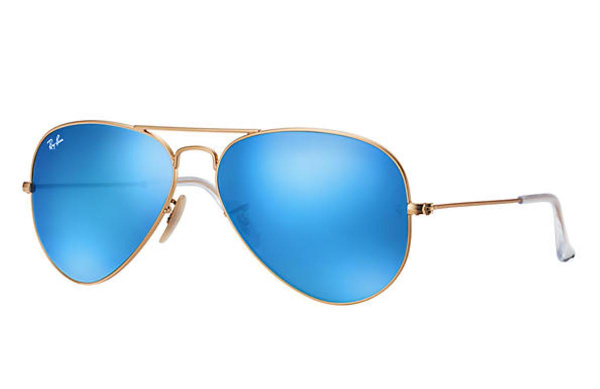 5619624866e37 Ray-Ban Aviator Flash Lenses Sunglasses with Gold Frame Blue Flash Lens -  The Warming Store