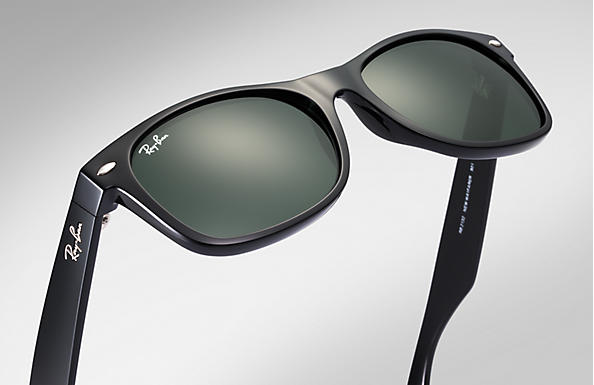 ddf6a5644 Ray-Ban New Wayfarer Classic Sunglasses with Black Frame/Green Classic G-15  Lens