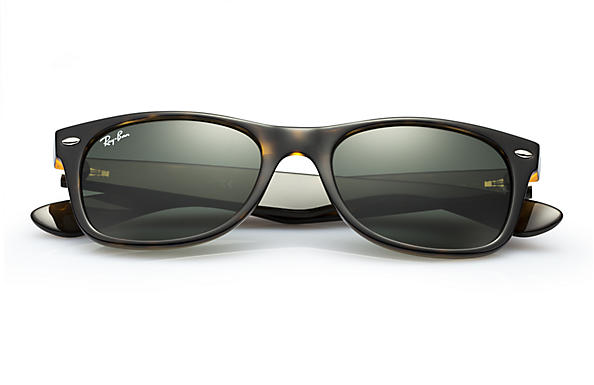 c29d0f4dfc0 Ray-Ban New Wayfarer Classic Sunglasses with Tortoise Frame Green Classic G-15  Lens