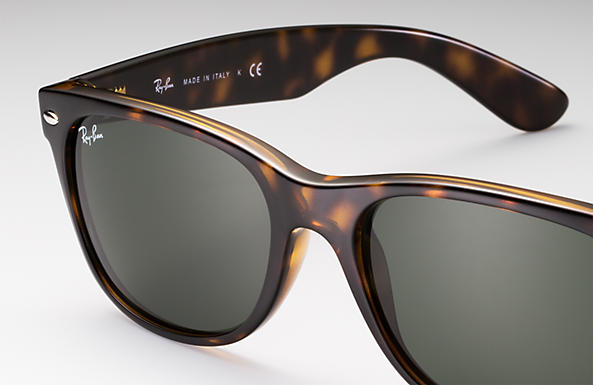 3e6df9d8db40c Ray-Ban New Wayfarer Classic Sunglasses with Tortoise Frame Green Classic  G-15 Lens