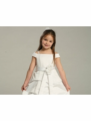 Caring For a Flower Girl: 10 Things You Need To Know