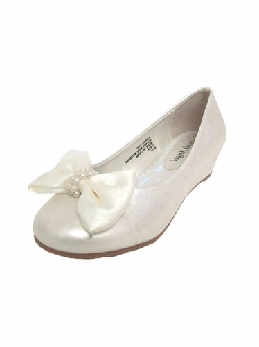 Ivory Bow Embellished Round Toe Shoe