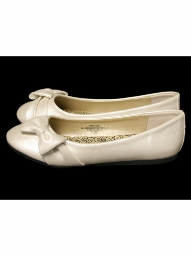 Ivory Childrens Flat Shoes w/ Bow