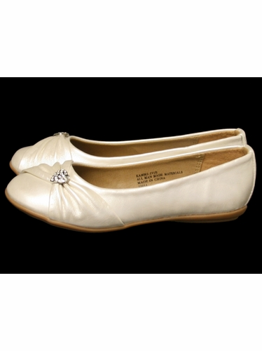 Ivory Childrens Flat Shoes w/ Rhinestone Heart