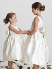 US Angels 702 Ivory Flower Girl