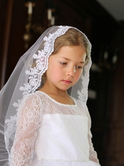 White Scalloped Floral Edging Mantilla Veil