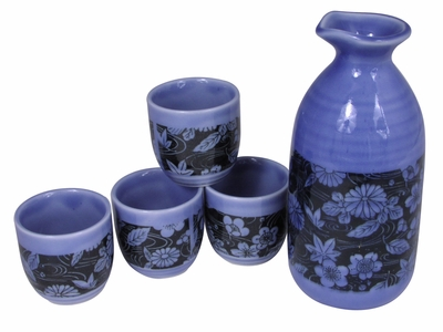 Chrysanthemum Maple Leaves and Cherry Blossoms Traditional Sake Set for Four
