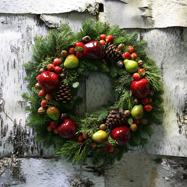 Della Robia Wreath: Available in multiple sizes