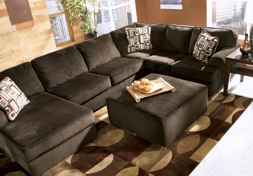 Ashley Vista Chocolate Sectional Fabric Black Models Picture