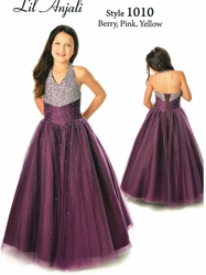 Help Your Darling Daughter Choose the Best Sequin Pageant Dresses!