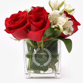 """Personalized Wreath 4"""" Cube Glass Vase"""