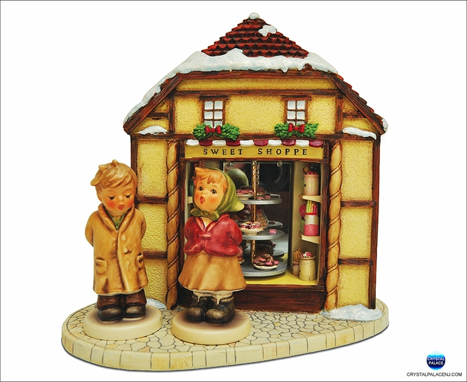 M.I. Hummel Sweet Caroling Collector Set