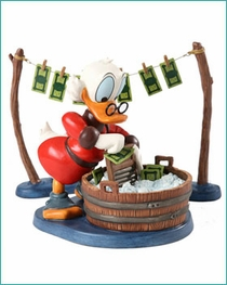 (Sold Out ) WDCC NEW 2012 Uncle Scrooge Laundry Day