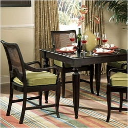 Traders Dining Set