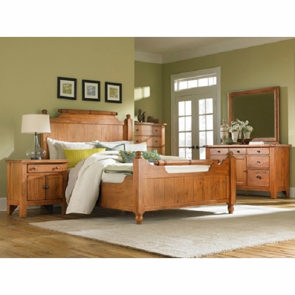 https://sep.yimg.com/ay/yhst-130038008324021/broyhill-attic-heirlooms-5-piece-feather-queen-bedroom-set-44.jpg