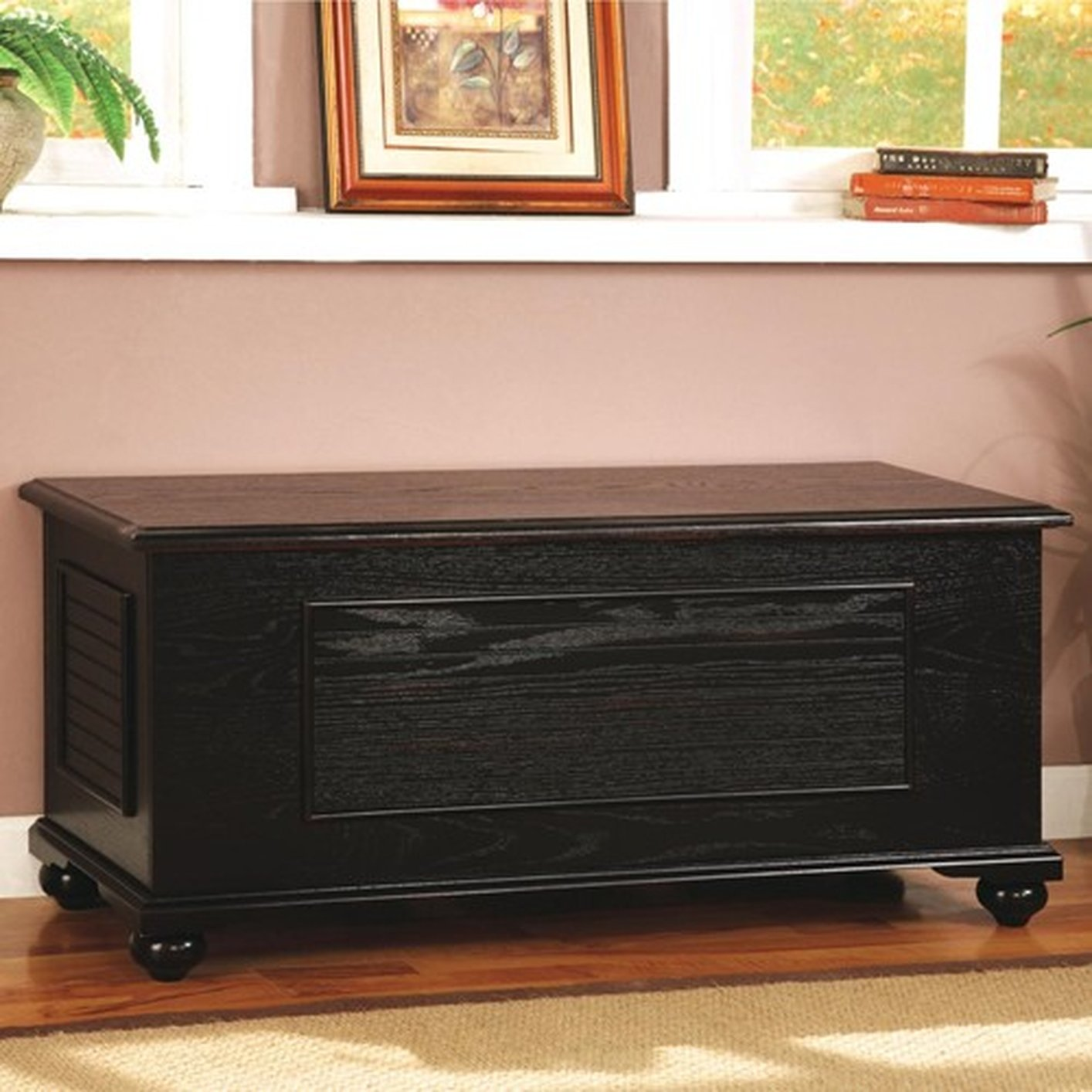 Superieur Black Wood Cedar Chest