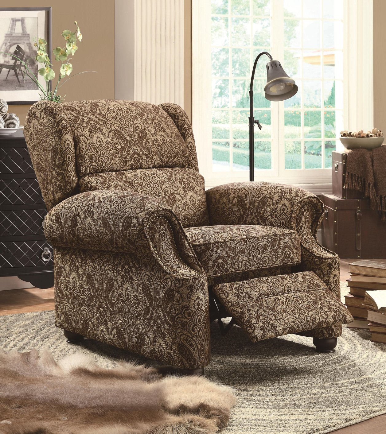 Merveilleux Brown Fabric Reclining Chair
