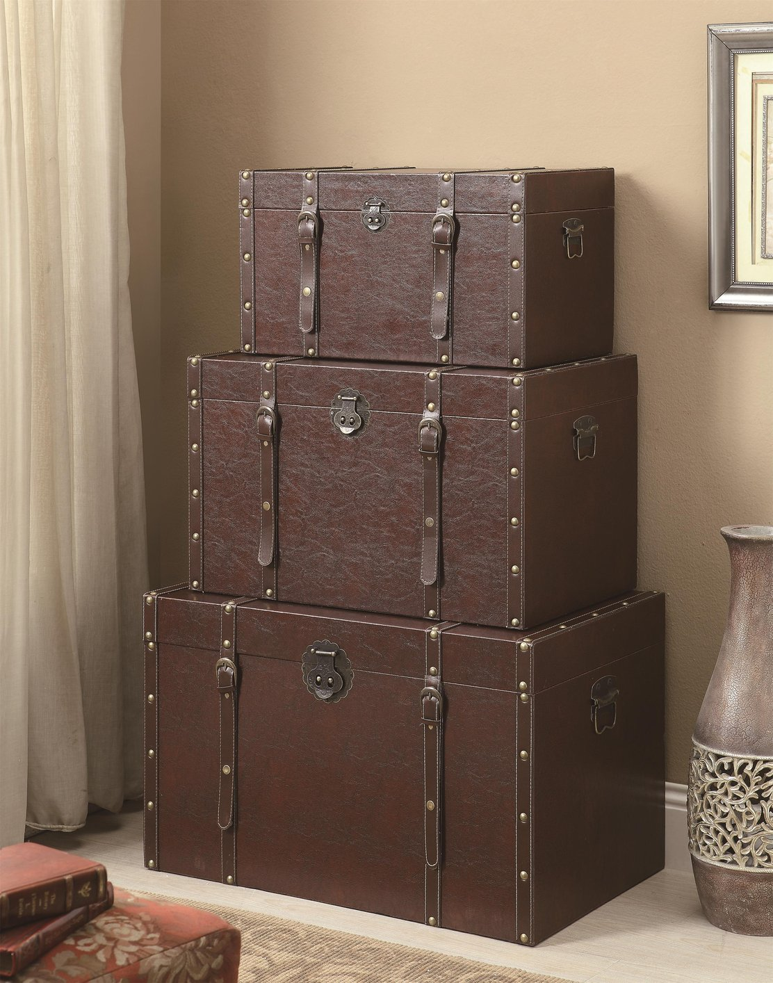 Superior Brown Wood Storage Trunk