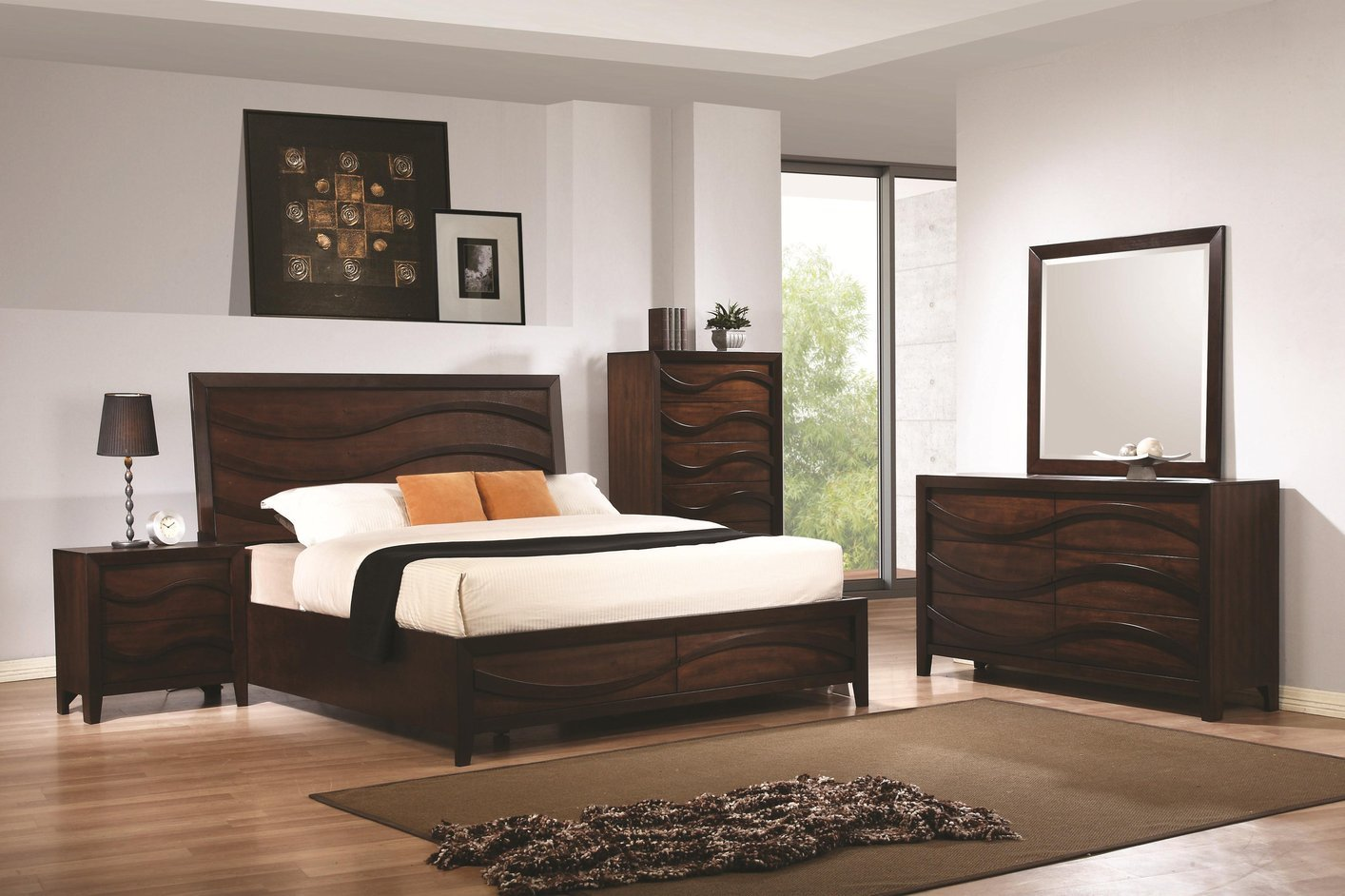 Brown wood california king size bed steal a sofa for Juego de cuarto queen size