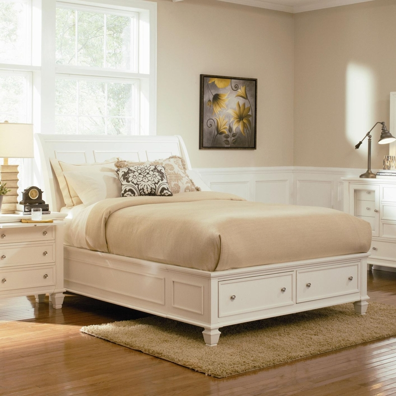 white wood queen bed