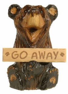 CHAINSAW CARVED HEALEY BEAR W/SIGN