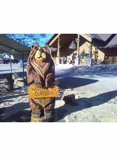 CUSTOM CHUNKY BEAR WITH SIGN CHAINSAW CARVING