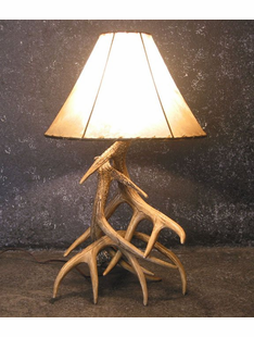 WHITETAIL THREE ANTLER FAUX  LAMP