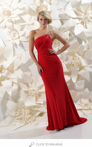 Advice how to improve the one shoulder dresses look