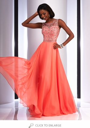 Who You Should Bring Shopping for Your Formal Gown