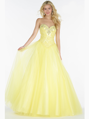 Alyce Paris 6727 Sweetheart Lace Prom Gown