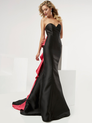 Jasz Couture 5978 Sweetheart Prom Gown