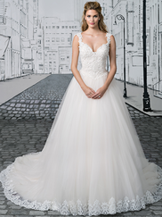Justin Alexander 8892 Queen Anne Neckline Wedding Dress