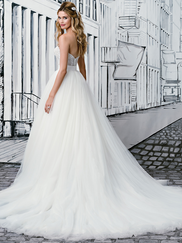 Justin Alexander 8900 Sweetheart Wedding Dress