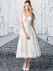 Justin Alexander 8904 Queen Anne Wedding Dress