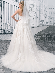 Justin Alexander 8908 Sweetheart Wedding Dress