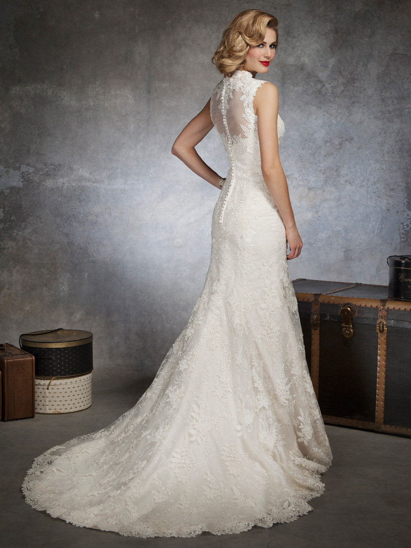 Mermaid justin alexander bridal gown 8656 for Justin alexander lace wedding dress