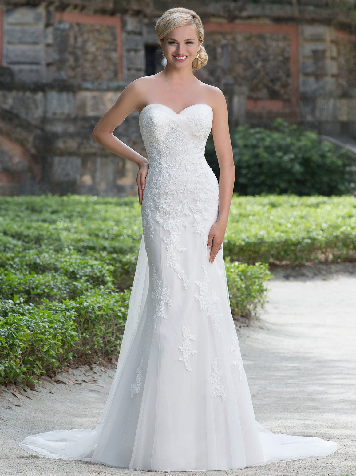 Sincerity 3876 sweetheart lace fit and flare bridal dress for What to wear to a wedding dress fitting