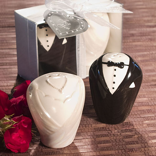 Adorable Bride And Groom Salt And Pepper Shakers