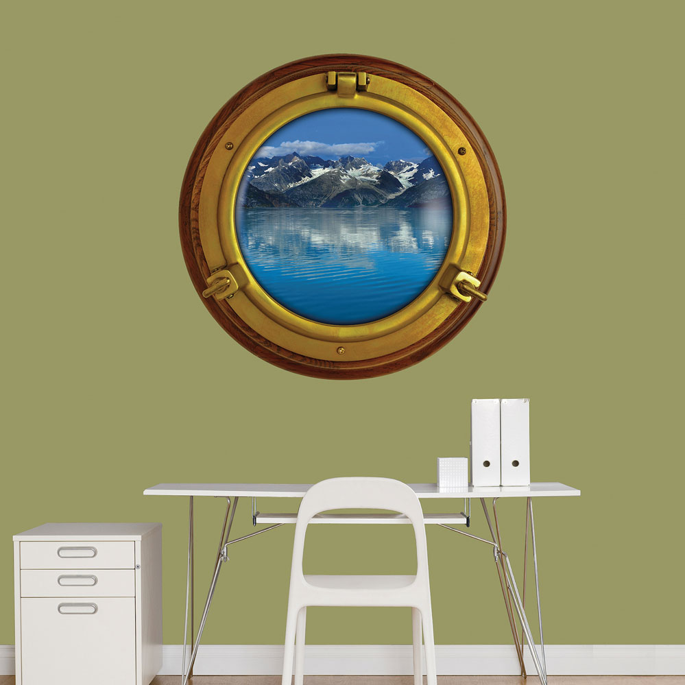 Porthole Mountain View Instant Window