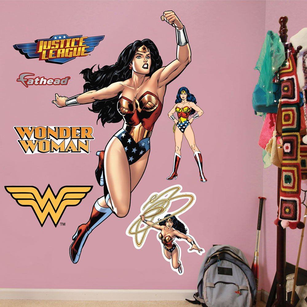 Wonder Woman in Action REALBIG Wall Decal
