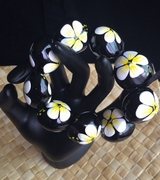 Hawaiian Kukui Nut Bracelet- White w/ Yellow Center