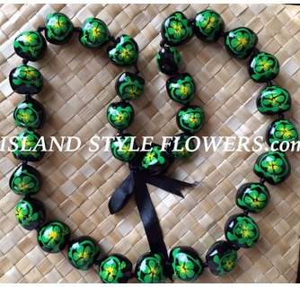 DK Hawaiian Collections Style Kukui Nut Lei Hibiscus Flower Hand Painted 33 Nuts Necklace
